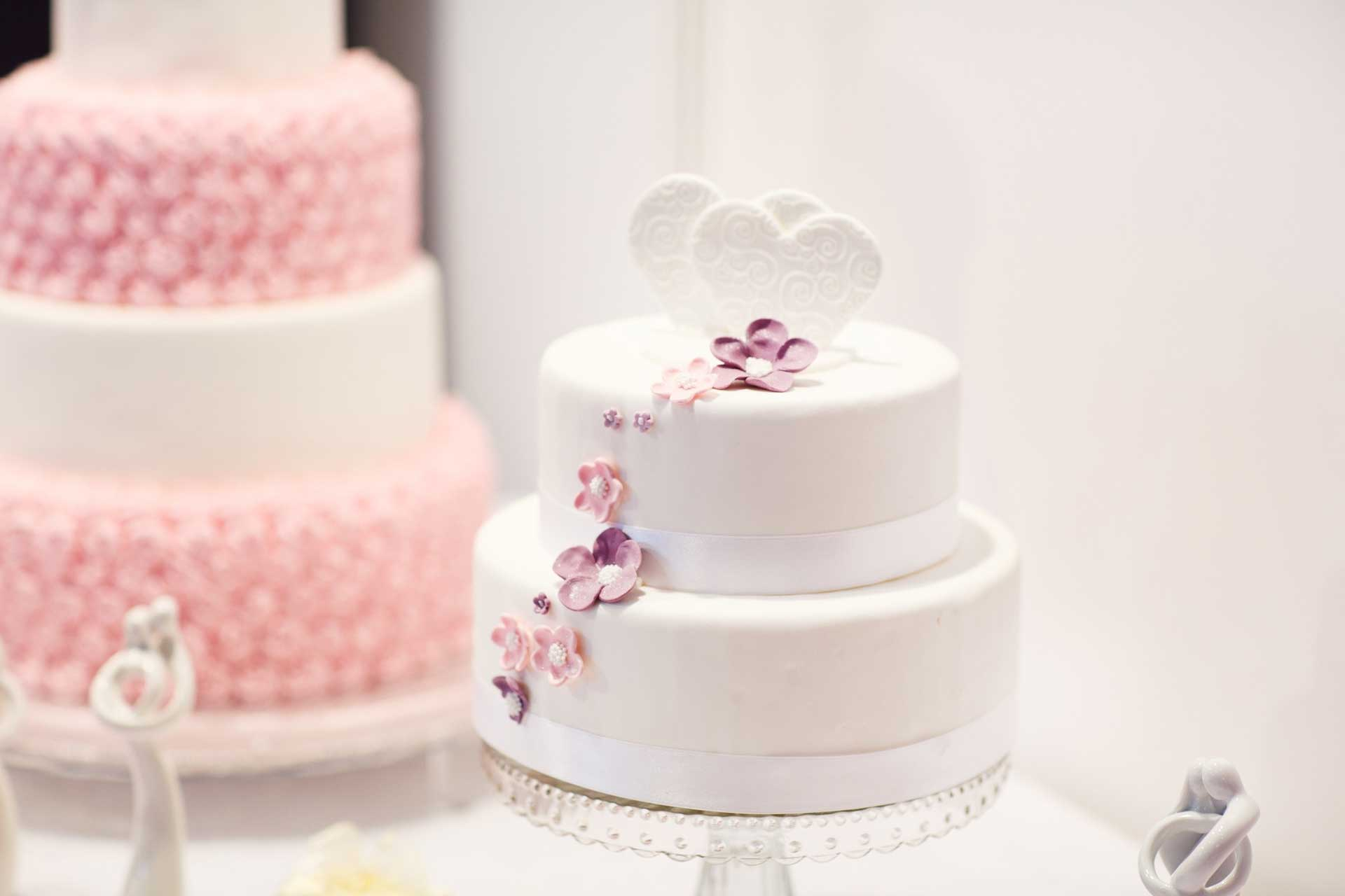 How To Choose The Perfect Wedding Cake Flavour For Your Special Day Minify Me